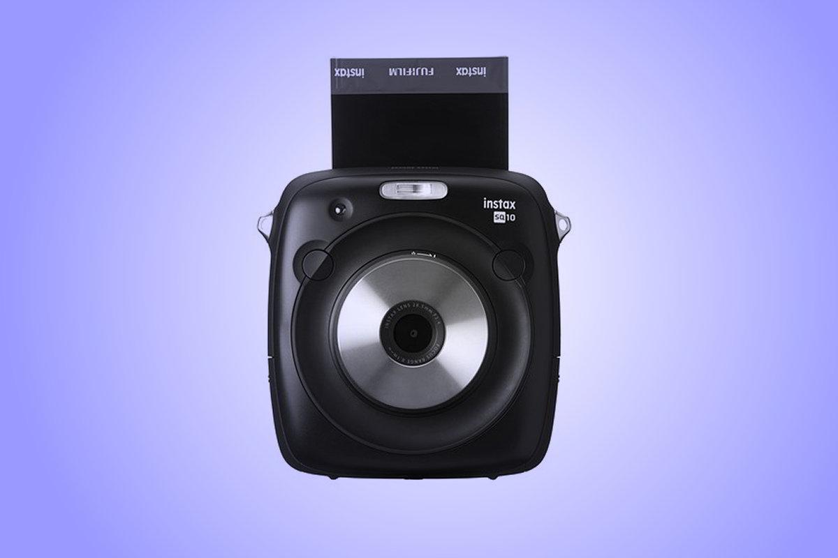 Hybridní Instax Square SQ10 sdisplejem a SD kartou vprodeji koncem května