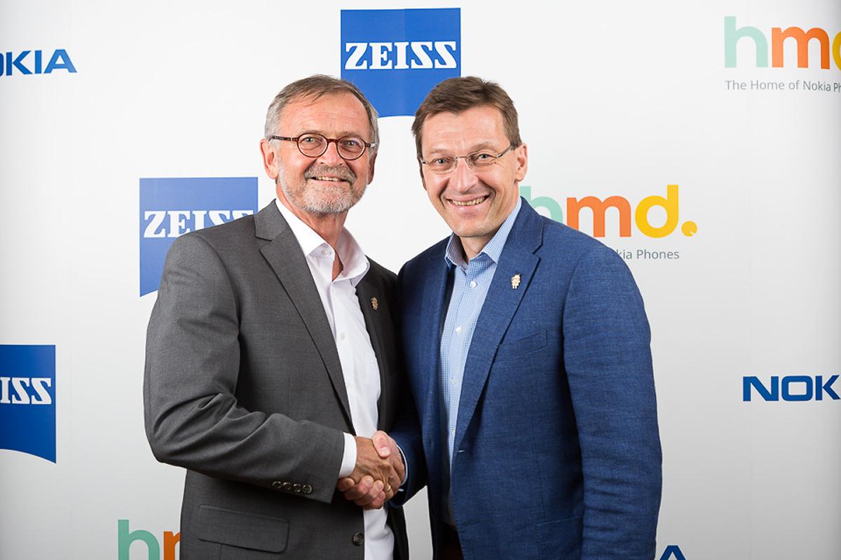 Winfried Scherle (Carl Zeiss) a Pekka Rantala (HMD Global) / F22.cz