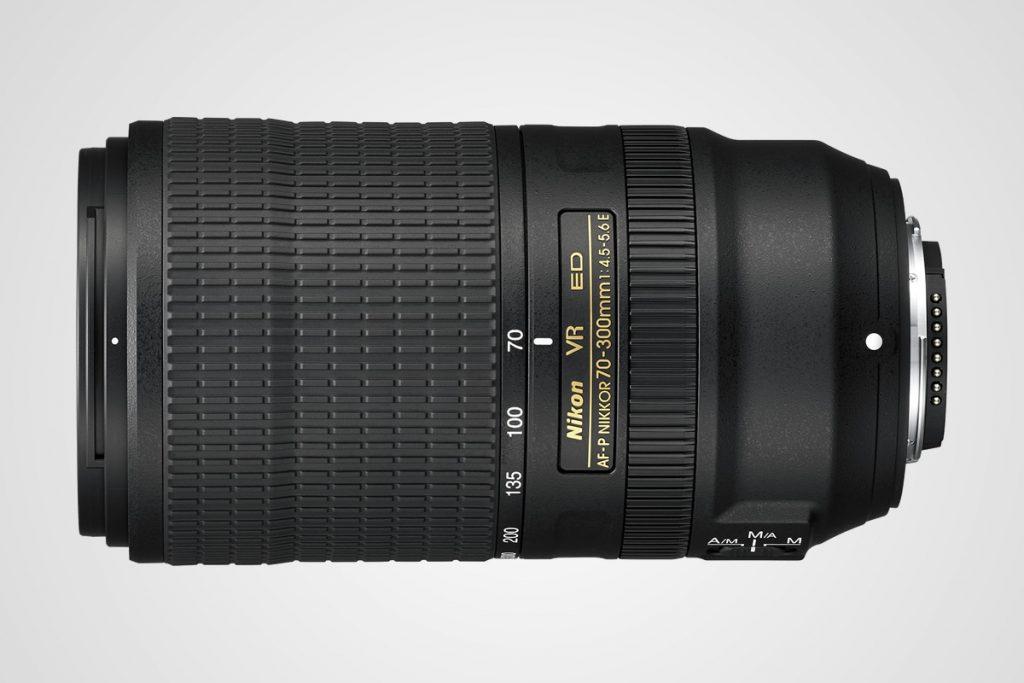 objektiv Nikon 70-300 mm / F22.cz